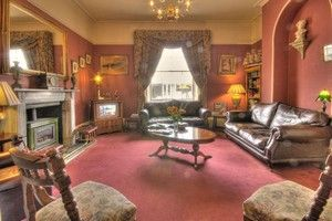 The lounge area at Fairlawn House, B&B Salisbury